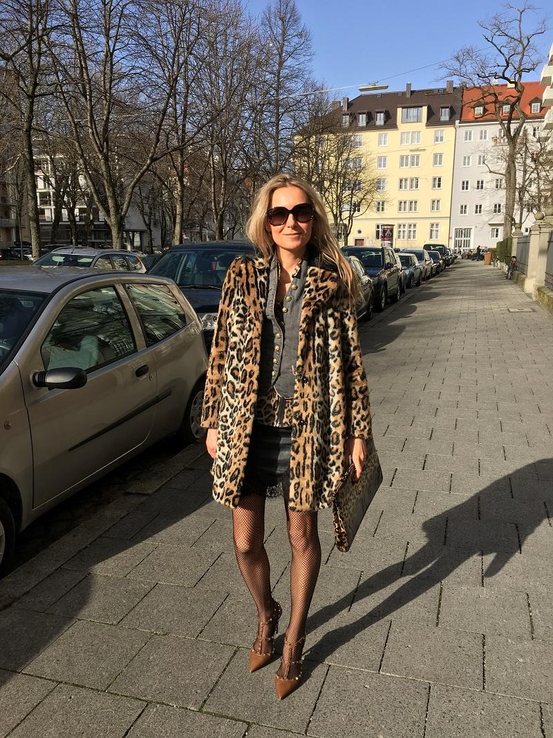 leo print fake fur coat