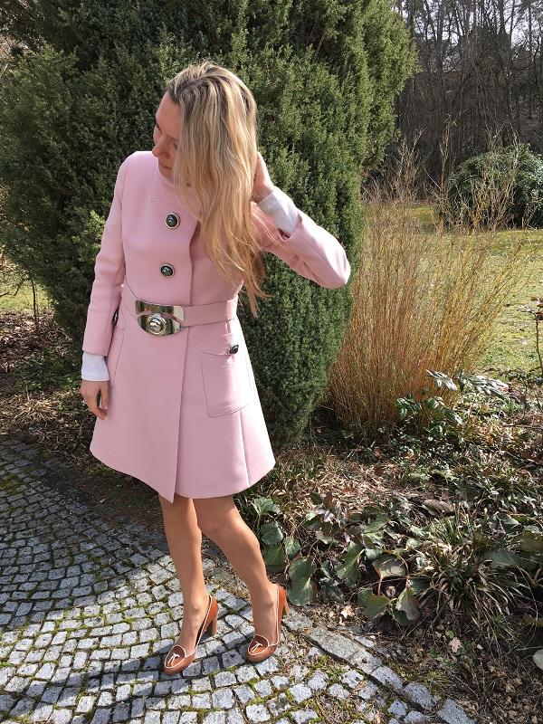 пальто розовый кварц
