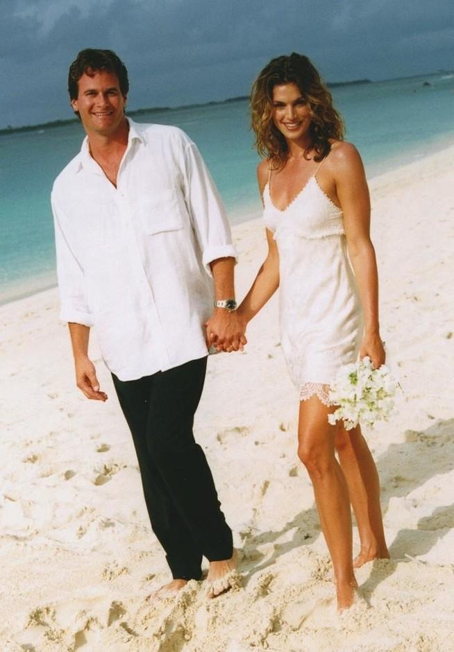 свадьба на пляже Синди Кроуфорд и Рэнди Гербер