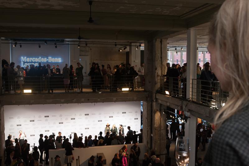 Mercedes-Benz Fashion Week Berlin A/W 2017 ИЛИ Неделя Моды в Берлине Mercedes-Benz Fashion Week Berlin A/W 2017 ИЛИ Неделя Моды в Берлине