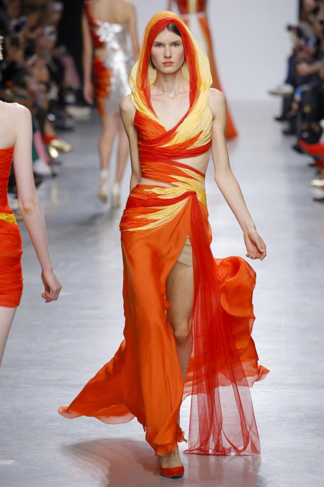 Paris Fashion Week SS 2018 ИЛИ Неделя моды в Париже весна лето 2018. Валентин Юдашкин